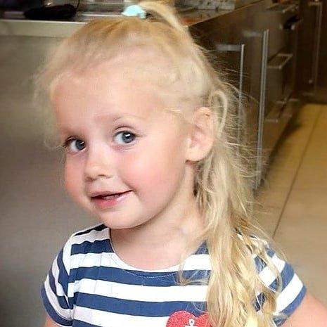 Маленькая Пугачева: Лиза Галкина проявила норовистый характер на детском празднике