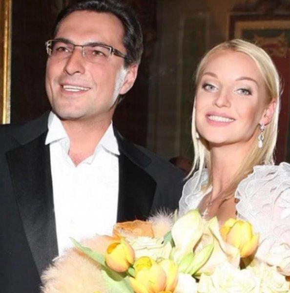 «Пришло время отдавать долги»: Волочкова готовится к судебному разбирательству с экс-мужем