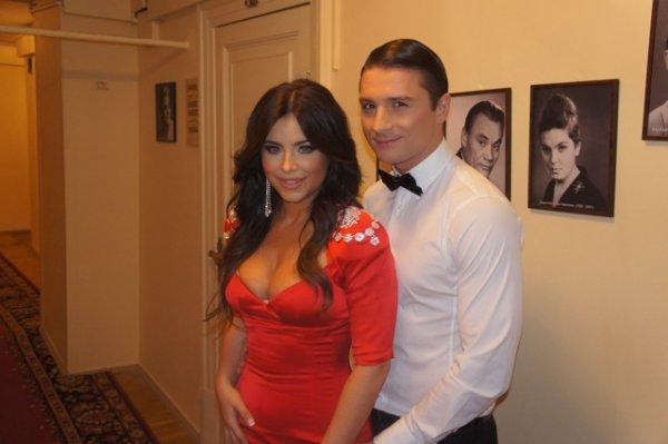 Первый беременный певец: Лазарев перенял беременность Лорак на себя — сеть
