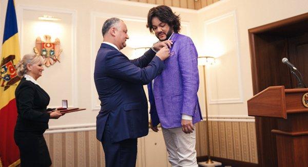 Профессиональный лизоблюд: Киркоров открыто пресмыкается перед президентом Молдовы