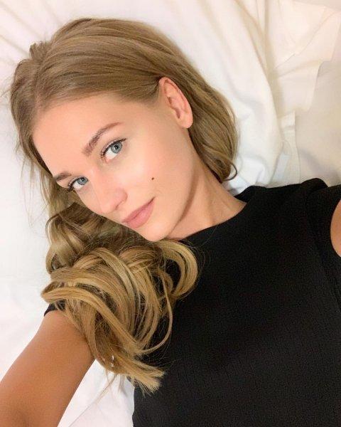 В постели с любовником: Асмус показала, почему сорвался спектакль