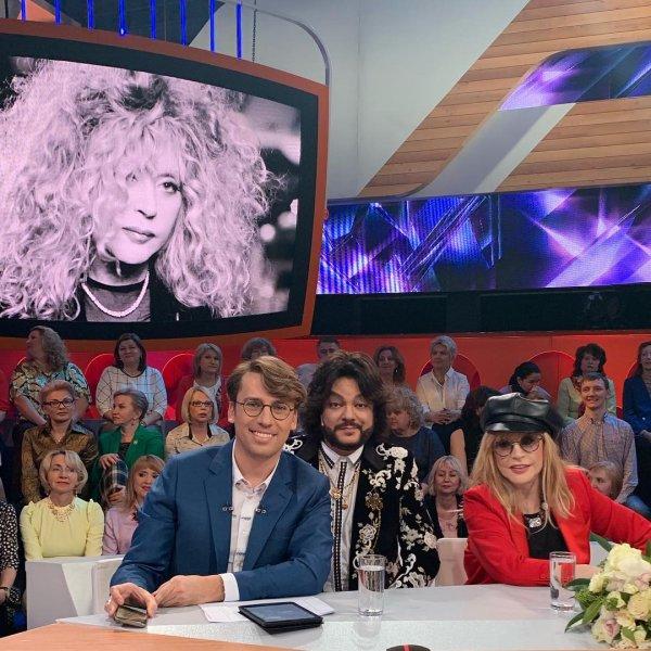 Юбилей отметила: Пугачева пришла на Первый канал пьяной