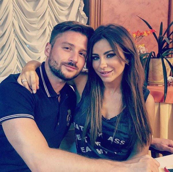 Не накопил на свадьбу: Лазарев пожаловался на нехватку денег из-за «пиратов»