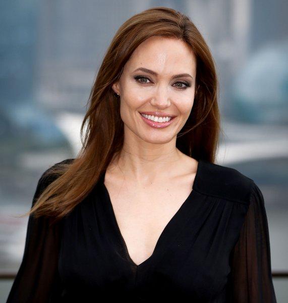 Не выдержал скандалы: Анджелина Джоли рассталась с британским миллиардером – СМИ