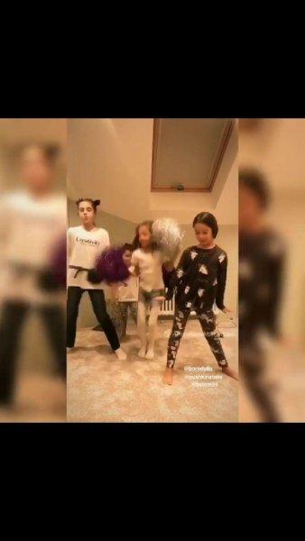 «Подлизала Бузовой»: Бородина заставила детей «трясти арбузами» под песню бездетной конкурентки