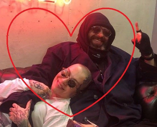 «Совет да любовь»: Фадеев не скрывает своих чувств в певице Наргиз - сеть
