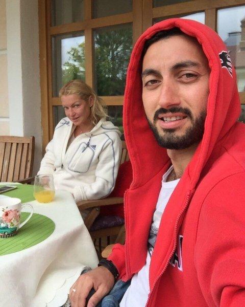 Утёр старухе нос: Молодой экс-любовник жестко обломал самовлюбленную Волочкову