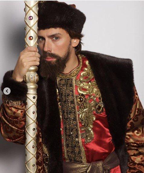 «А царь-то ненастоящий!»: «Боярин Грязей» Максим Галкин метит в кресло Путина