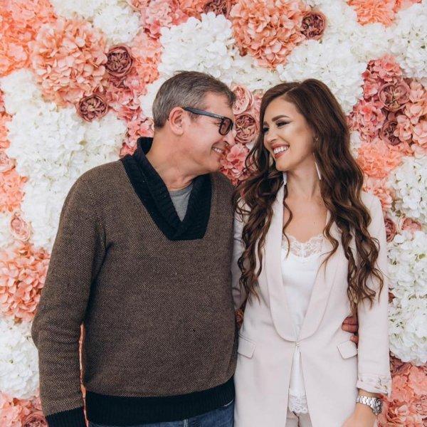 «Новая кормушка!»: Отец отказался от Ольги Бузовой в пользу младшей дочери – сеть