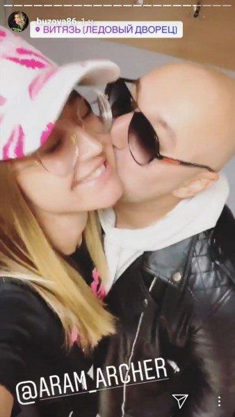 Французский поцелуй на сцене: Бузова публично изменила жениху с рэпером Свиком