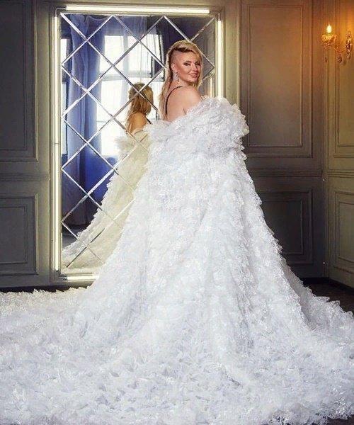 «Брак без бумаг»: Саша Черно призналась фанатам в фиктивности брака