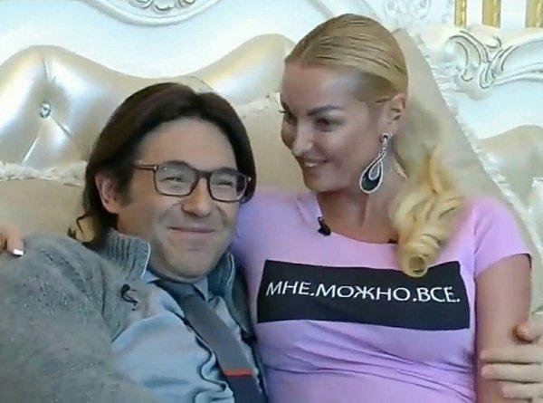 «Наташа, прости»: Жена Малахова из-за Волочковой может развестись с телеведущим - сеть