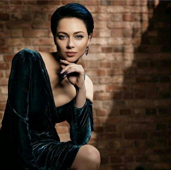 Не тянет даже на Катю Огонёк: Самбурская «заставила» своих подписчиков послушать её шансон