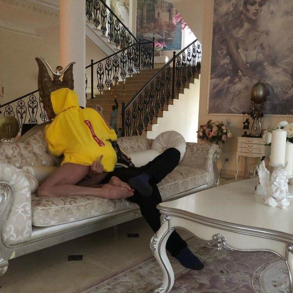 Исполнит на шпагате?: «Брошенка» Волочкова пытается вернуть любовника с помощью нового хита
