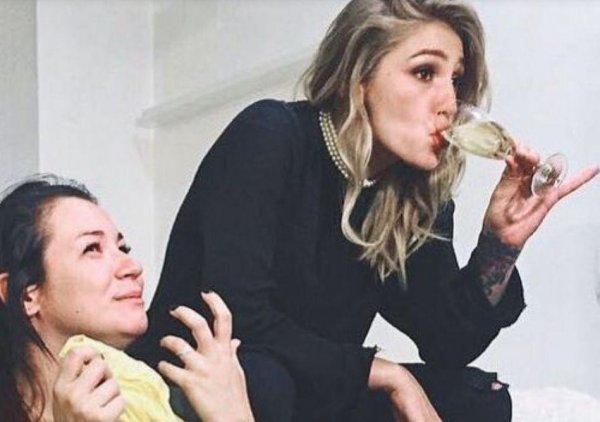 «Маман страдает, а вы бухие»: Ивлеевой стыдно за пьяных близких людей
