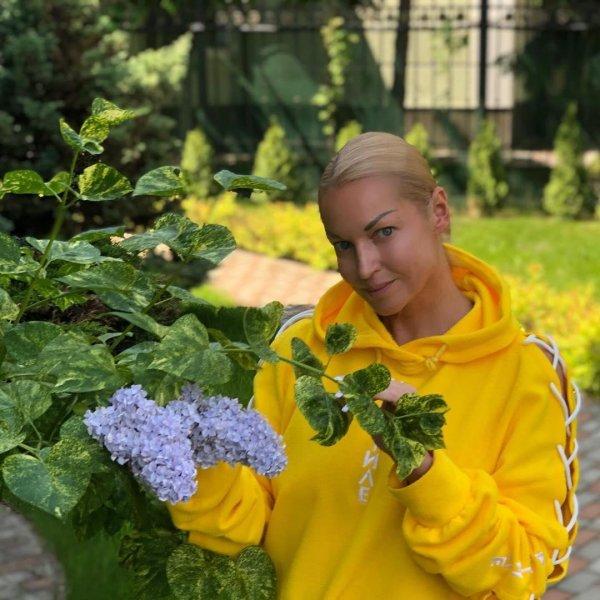 «Обреченность на одиночество»: Медиум объяснила причины неудач Волочковой