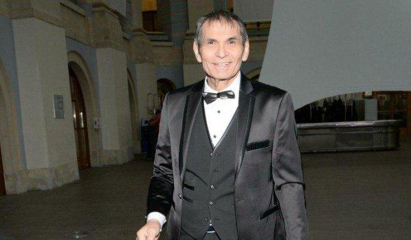 «Похоронивший» Алибасова Минаев извинился за ложную панику