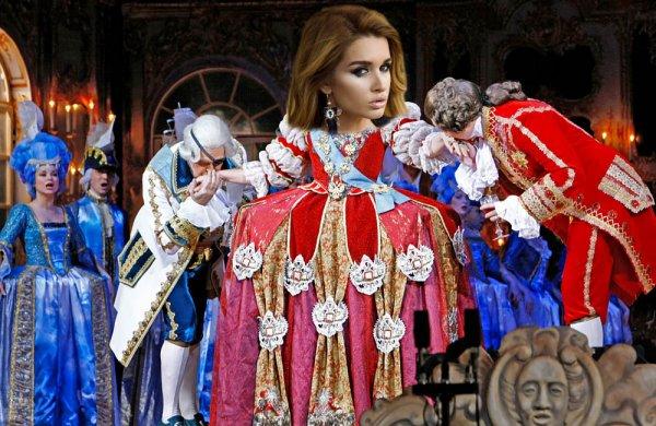 Госпожа среди холопов, или как Бородина над людьми «издевается» ради популярности