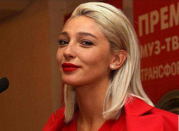 Вопреки просьбе ТНТ! Анастасия Ивлеева рассекретила ориентацию актеров «Импровизация»