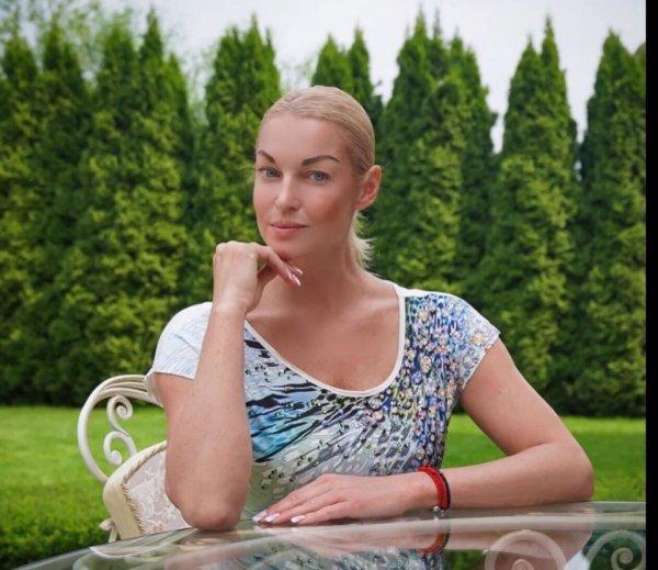 Ушла в завязку! Бросившая пить Волочкова пытается вернуть дочь