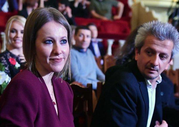 Принцесса и «нищий»! Любовник Собчак заработал 7 миллионов рублей за год