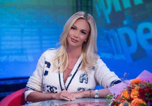 «Не бабе, которая залетела от женатого судить»: Фанаты затравили Лопыреву за негатив в сторону Бузовой