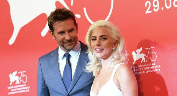 Леди Гага вселилась: Брошенка-Шейк хомутает бывшего мужа Дженнифер Энистон