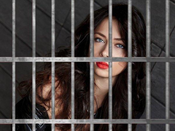 Смелая, пока не взяли? Издевки Самбурской над властью доведут ее до тюремной решетки