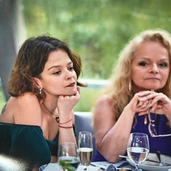 «Мать-тиран» в действии или как Лариса Долина манипулирует жизнью собственной дочери?