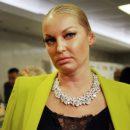 Пудра поплыла – проблема всплыла. Волочкова выступила с синяком на пол-лица перед зрителями