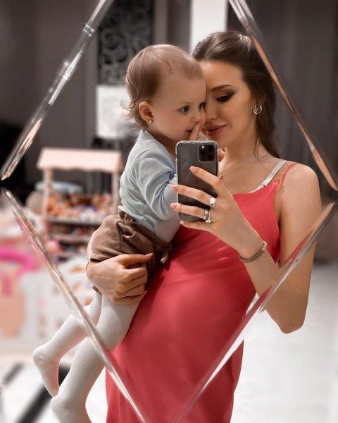 Куда смотрят врачи? Беременная Костенко рискует потерять ребенка