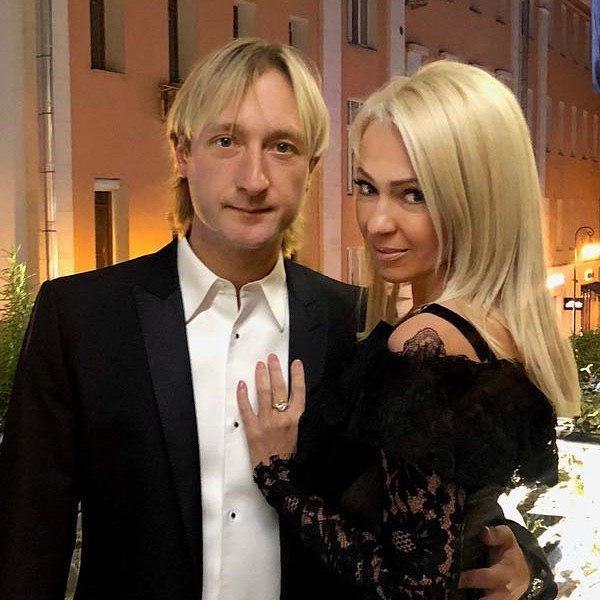 Пока «попугай»-Рудковская в сторонке, Плющенко «обливался слюной» на певицу MARUV