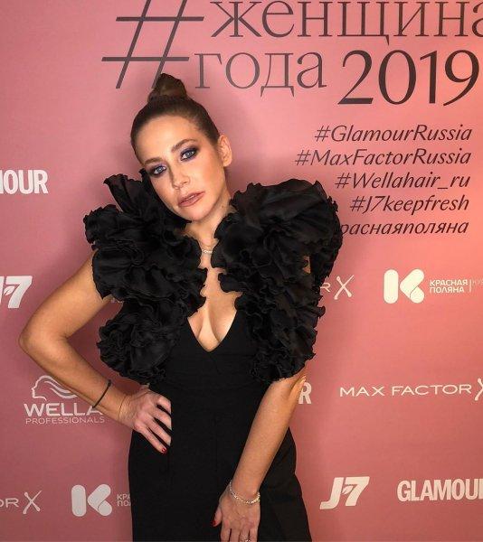 Юля, воняет... «Прокуренная» Барановская вынудила коллег проветривать студию?