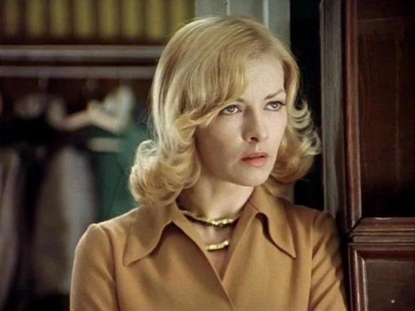 Клеймо «Иронии судьбы» или Как роль разлучницы Наденьки разрушила жизнь актрисе?