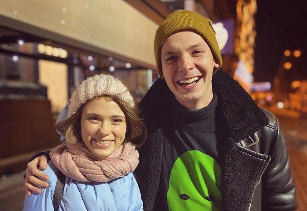 «Подарочек» на Новый год: Звезда «Сватов» намекает на беременность от любовника