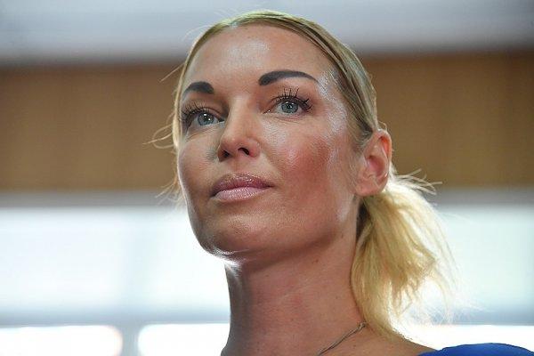 Взялась за старое… Мать Волочковой разругала ее с женихом на глазах у испуганной дочери?