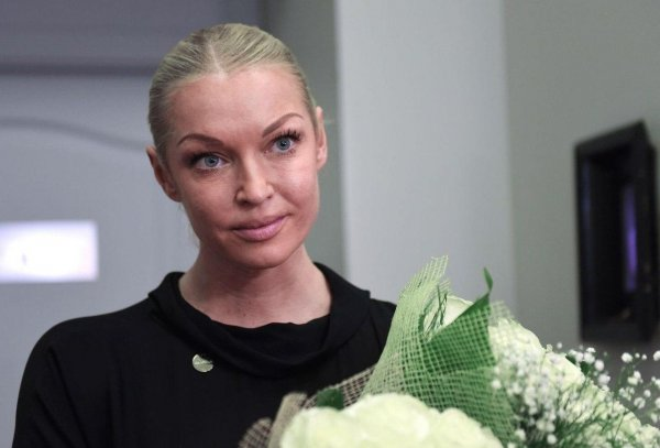 Балерине можно все! Изрядно трезвая Волочкова выгнала людей из ресторана ради диких танцев