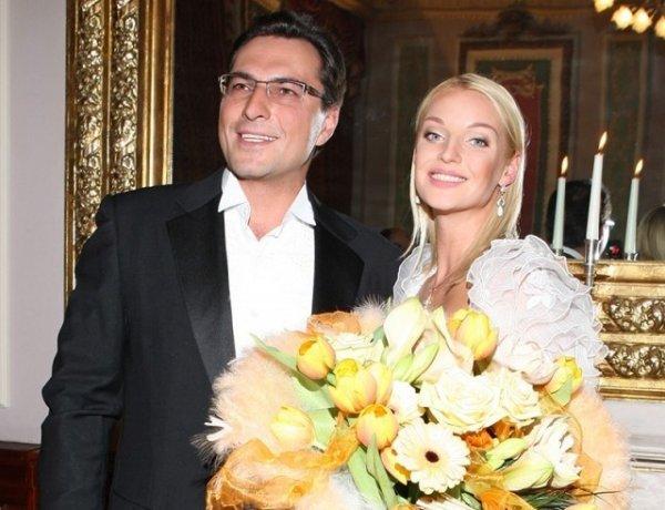 Настя, прекрати унижаться! Волочкова покупает любовнице экс-супруга трусики и норковую шубку