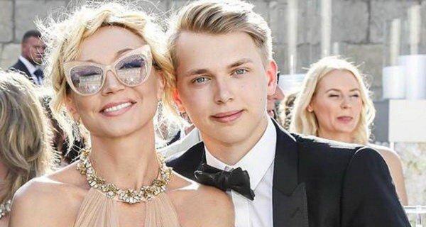 Кристина, давай миллионы! Невеста Дени Байсарова сыграет свадьбу года за счет Орбакайте