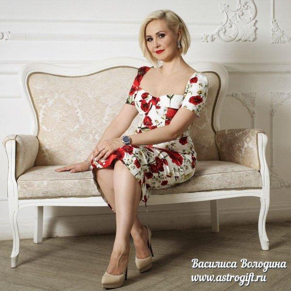Глаза светятся от счастья: Помолодевшая от пластики Володина вернула блудного мужа в семью