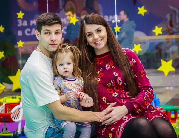 Мать подкупила ТНТ?! Беременную Ольгу Рапунцель оставят без двухлетней дочери