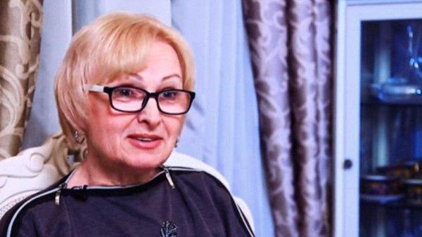 Жизнь в коммуналке, никакой помощи: Как Юрий Антонов бросил свою младшую сестру на произвол судьбы?