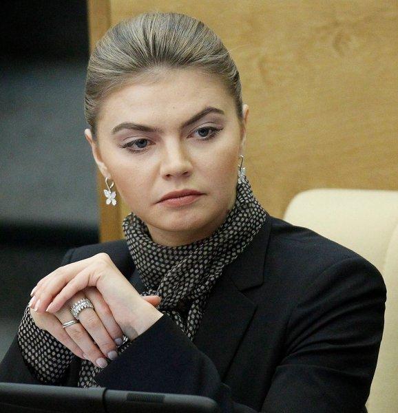 Козловский, Петров, теперь Бикович. Как «подруга Путина» решает, кто будет на киношном Олимпе?