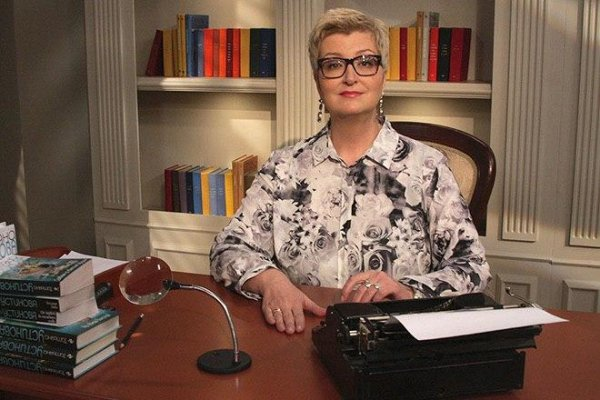 Теперь спасает только ТВ: Как Донцова «выжила» Татьяну Устинову из писательских кругов?