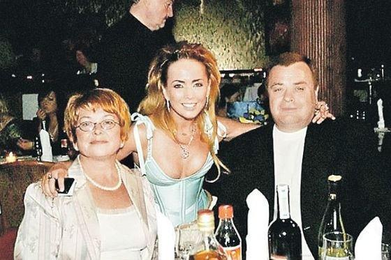 Время прошло, но люди все помнят... Семья Фриске загубит фонд имени Жанны «мутной» репутацией