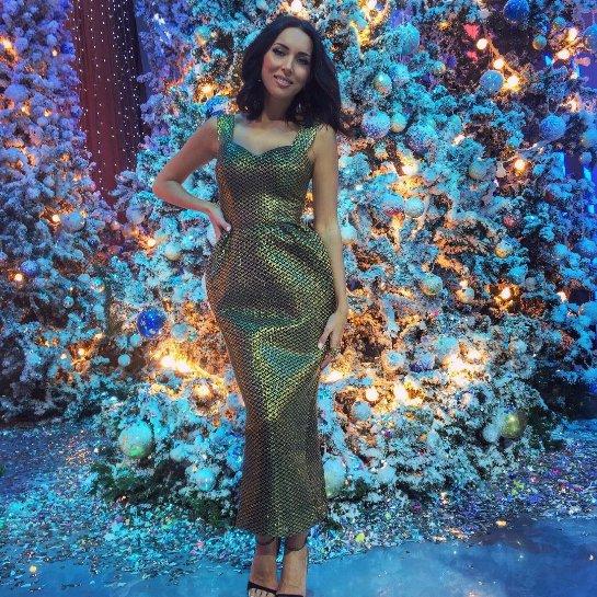 Алсу показала новое фото в новогоднем образе