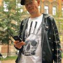 Экс-солист «Отпетых мошенников» по закону бумеранга остался на улице с ребенком