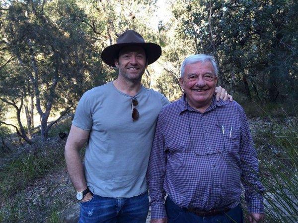 Хью Джекман опубликовал трогательное фото с отцом