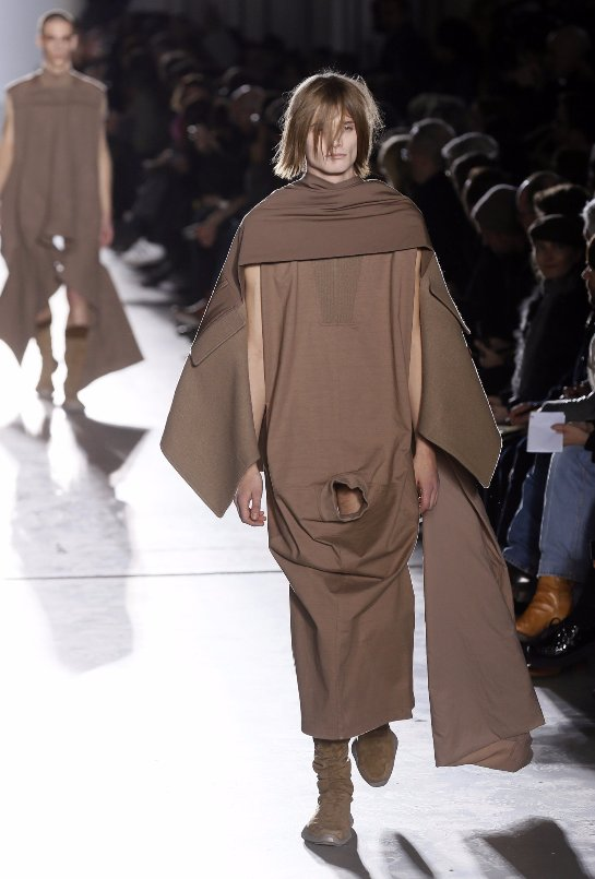 Скандальный модельер Рик Оуэнс показал модному миру мужское достоинство