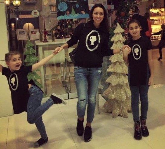 Алсу показала совместное фото с дочками